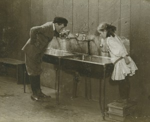 Vintage_DrinkingFountains_wStudents